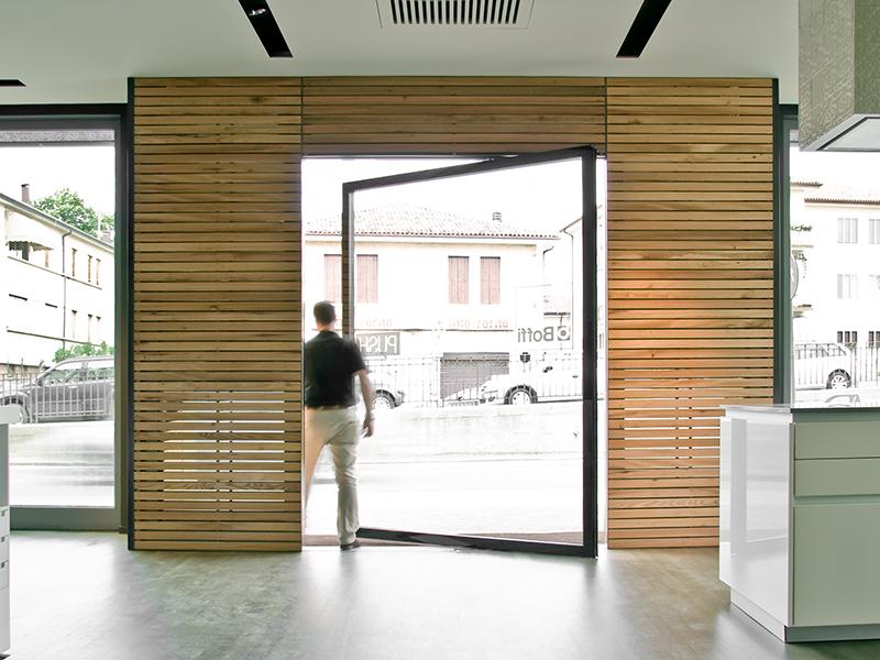 Boffi studio treviso - Finestre a bilico verticale ...